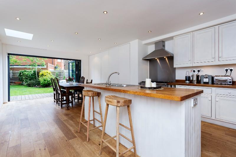 5 bed family home, Durham Road, Wimbledon - Image 1 - London - rentals