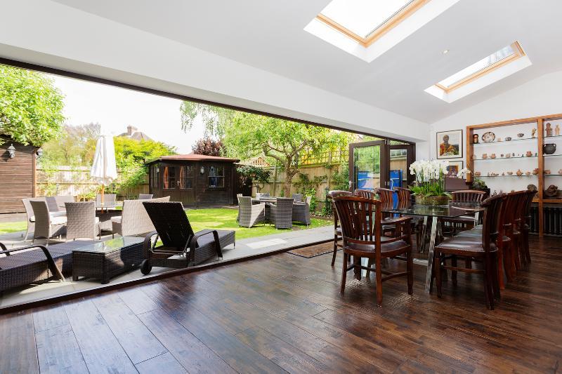 5 bed, 5 bath house with garden gym, Copse Hill, Wimbledon - Image 1 - London - rentals