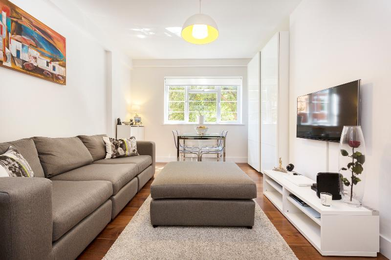 2 bed flat on West End Lane, West Hampstead - Image 1 - London - rentals