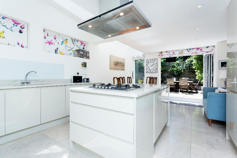 2 bed house, Dymock Street, Fulham - Image 1 - London - rentals