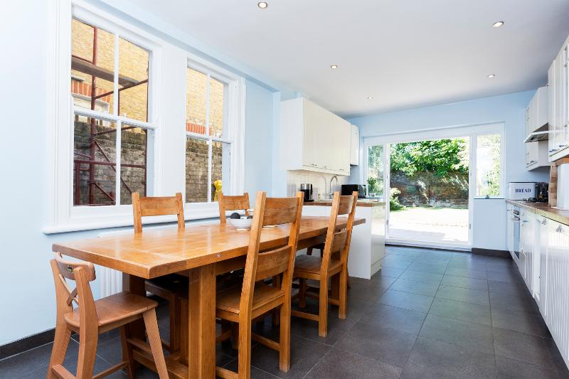 4 bed house, Killyon Road, Clapham - Image 1 - London - rentals