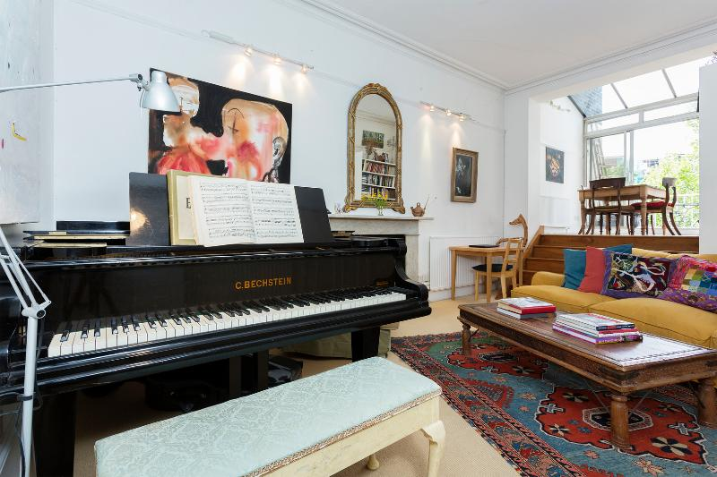 Veeve - The Artist's Retreat - Image 1 - London - rentals