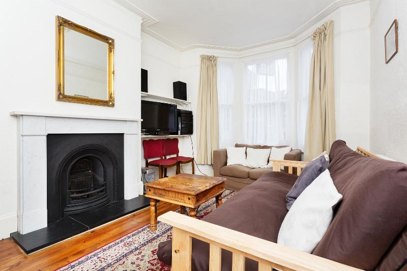 1 bed garden flat, Bloom Park Road, Fulham - Image 1 - London - rentals