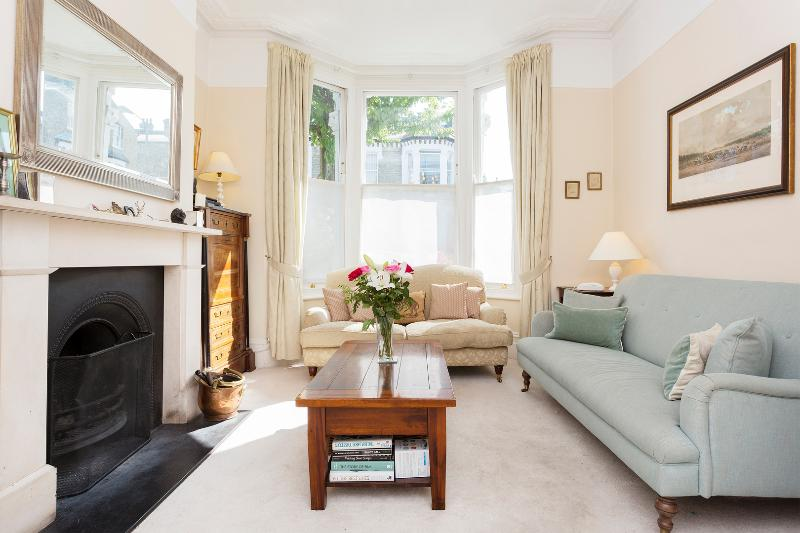 5 bed family house, Montholme Rd, Clapham/Battersea - Image 1 - London - rentals