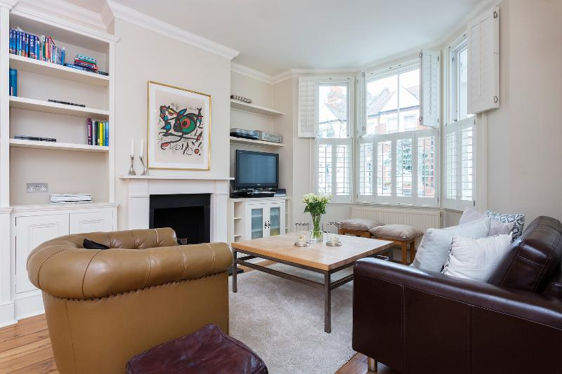 Recently refurbished four-bed house on Rowallan Road. - Image 1 - London - rentals