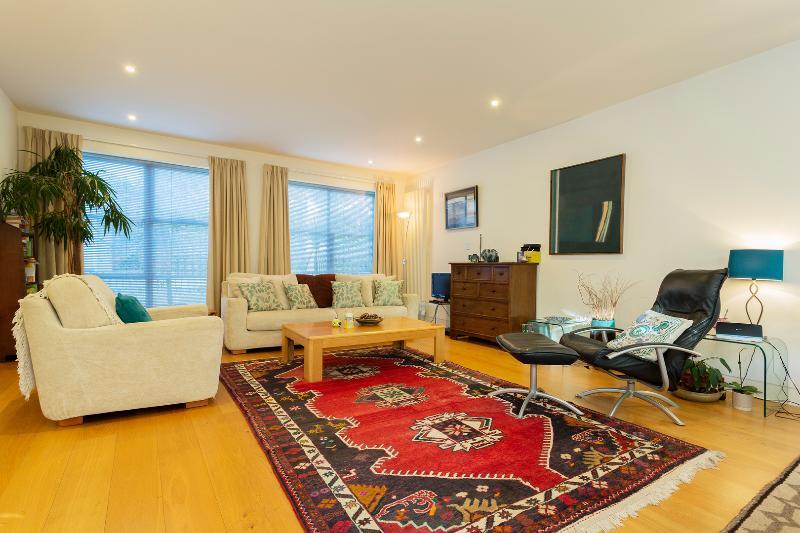 Modern 2 bed in Battersea - Image 1 - London - rentals