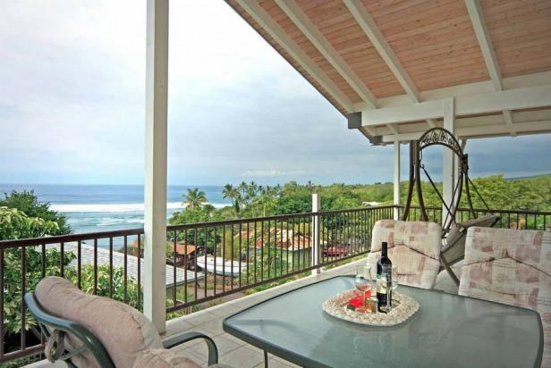 Kahalu'u Beach Holmes- Beach Across the Street! - Image 1 - Kailua-Kona - rentals