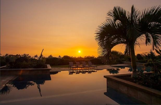Watch the sun set from the pool. - Palauna Hale- Minutes walking To Beach! Private! - Kailua-Kona - rentals
