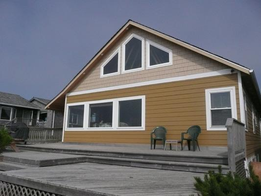 Large ocean front home.  Sleeps 12, Pet friendly - Beachfront Delight - Seaside - rentals