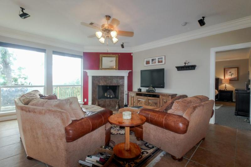 Dog-friendly home - walk to local swimming hole & town! - Image 1 - Wimberley - rentals