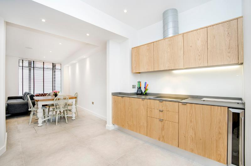 Calm & Cool 2 Bedroom Apartment in Shoreditch - Image 1 - London - rentals