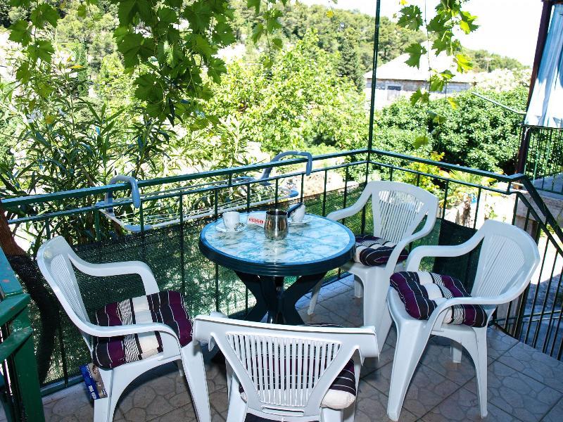 H(4+2): terrace - 4920  H(4+2) - Dol (Brac) - Dol - rentals