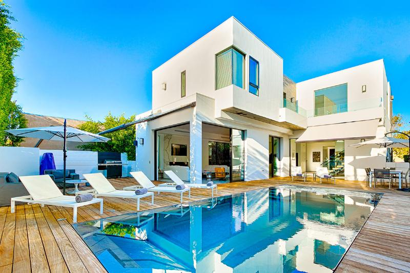 Beverly Modern Villa, Sleeps 10 - Image 1 - West Hollywood - rentals