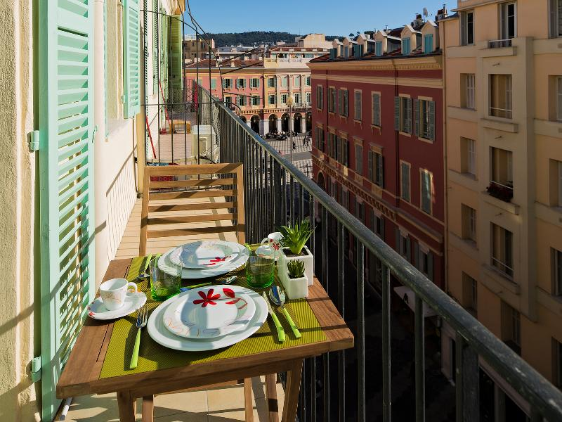 Balcon plein sud Balcony facing south - Nice Carré d'Or - Pedestrian zone - Studio - Nice - rentals