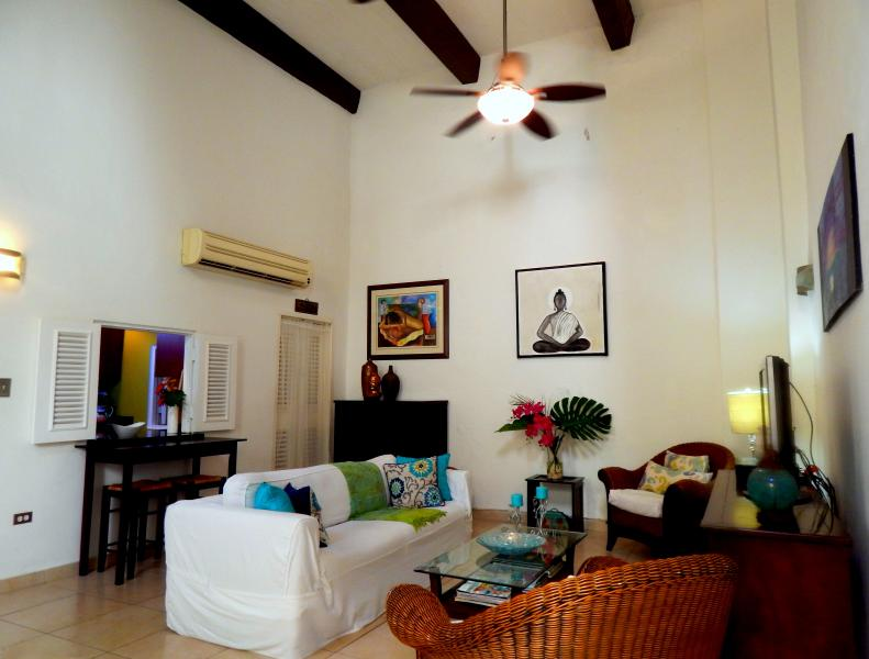 Living Area - view of Colonial Architecture with 16ft ceilings - Great Colonial 2Bd - 2 Level w/patios! - San Juan - rentals