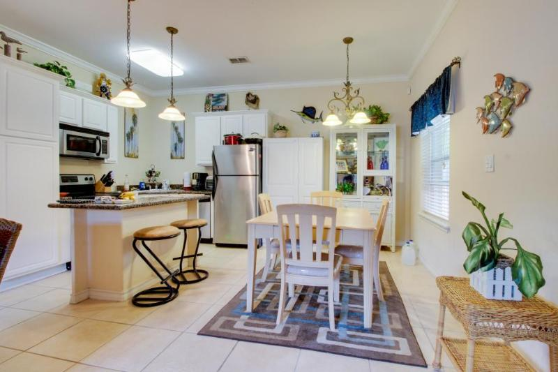First-floor condo w/ lovely kitchen & shared pool! Dogs okay! - Image 1 - South Padre Island - rentals