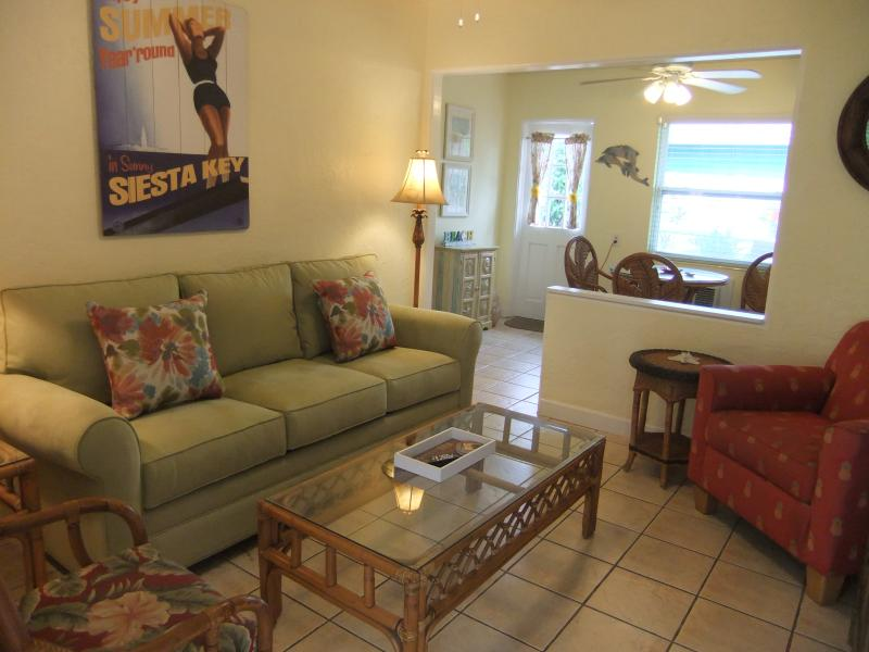 Ebb Tide #2 is a single-story, cottage style condo. - Ebb Tide #2 Charming Cottage on Siesta Key - Siesta Key - rentals