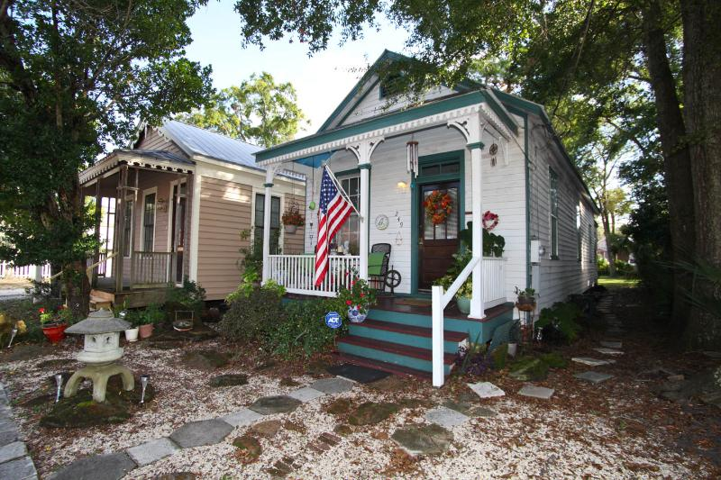 1000 sq ft Historic Shotgun Cottage - Historic Cottage(pet friendly) - Pensacola - rentals
