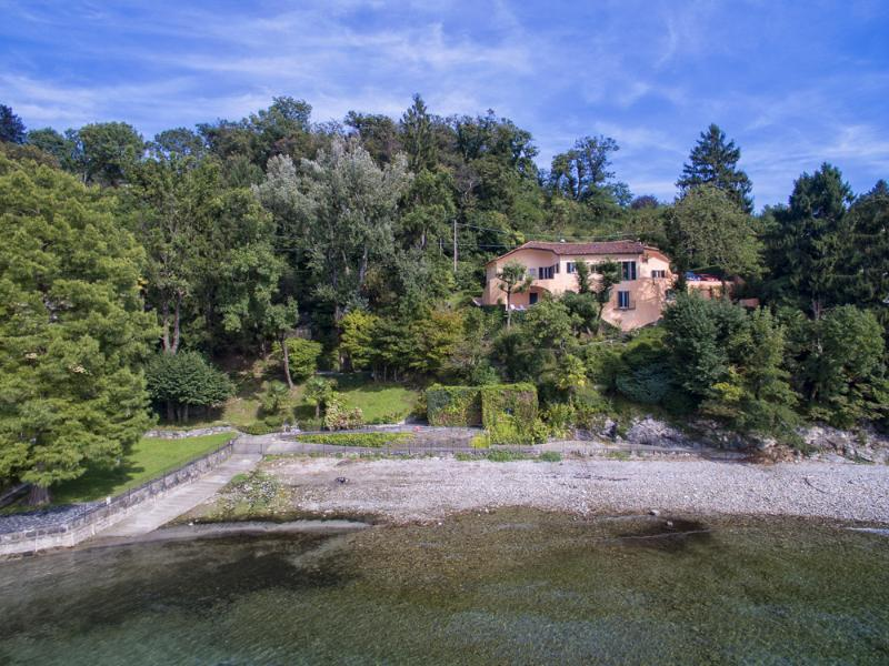 Villa Francesca lakefront villa at Lake Maggiore, Reno di Leggiuno - Unique lakefront villa with beach! - Laveno-Mombello - rentals