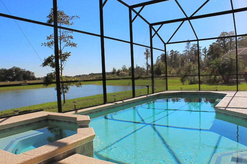 Beautiful Private Pool and Spa - Deluxe Villa-Pool & Spa, 4 Miles to Disney World! - Kissimmee - rentals
