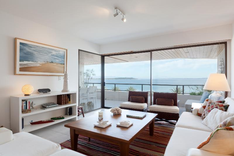 Tranquil Seaside 3 Bedroom Apartment in La Punta - Image 1 - Punta del Este - rentals