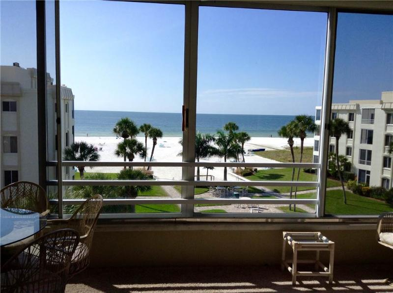 Beautifully maintained 2BR 2B on the best beach - 15 South - Image 1 - Siesta Key - rentals