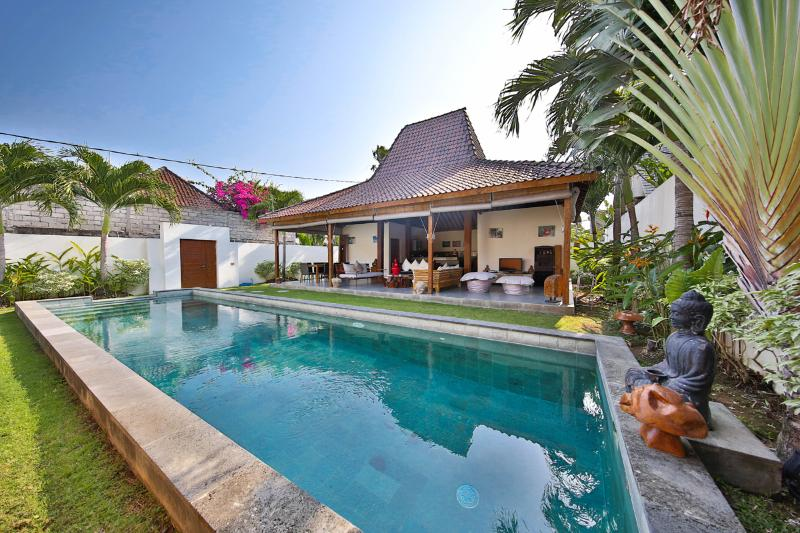 Exclusive 4 bedrooms Villa in Seminyak - Image 1 - Seminyak - rentals