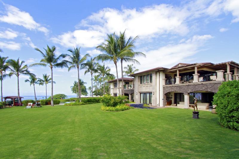 Three Bedroom Wailea Beach Villa - Oceanfront Luxury Living! - Image 1 - Kihei - rentals
