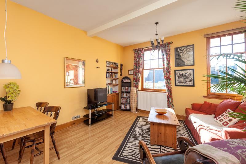 The Tron Square Residence - Image 1 - Edinburgh - rentals