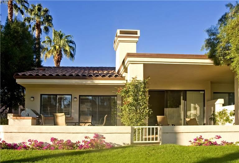Palm Valley CC (V3895) Sunny Patio Close to Pool! - Image 1 - Palm Desert - rentals