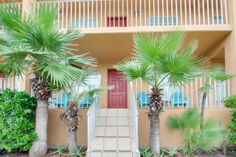 Casual, half block from the beach w/ two patios, shared pool! - Image 1 - South Padre Island - rentals