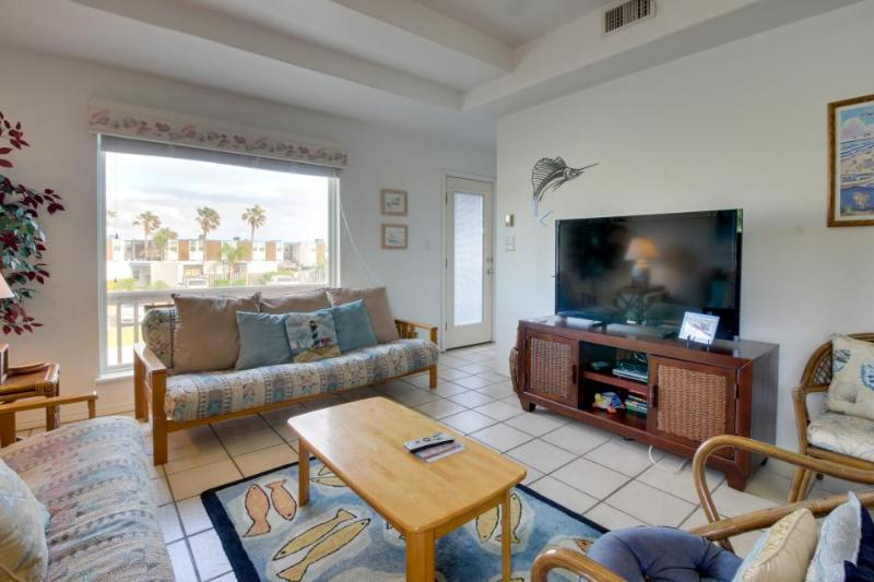 Dog-friendly duplex near beach access, great restaurants & more! - Image 1 - South Padre Island - rentals