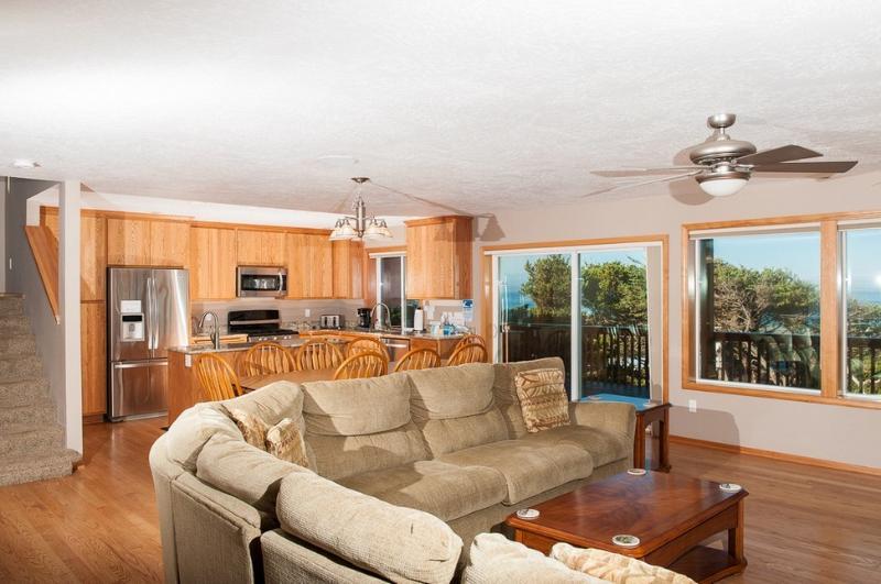 Ocean Vista Getaway ~ RA5827 - Image 1 - Depoe Bay - rentals