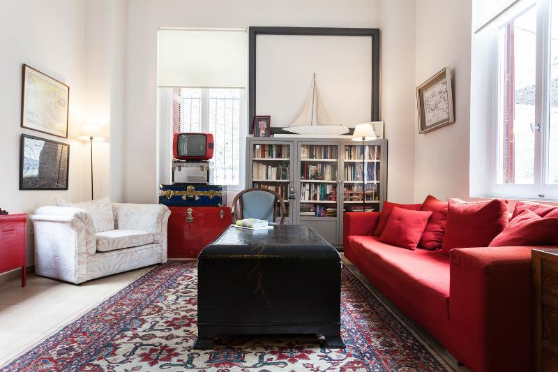 Communal Living Room - The Anthony Quinn Suite @ Alice Inn Athens - Athens - rentals