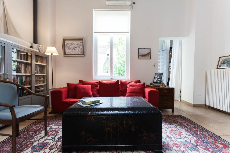 Communal Living Room - The Betty Boop Suite @ Alice Inn Athens - Athens - rentals