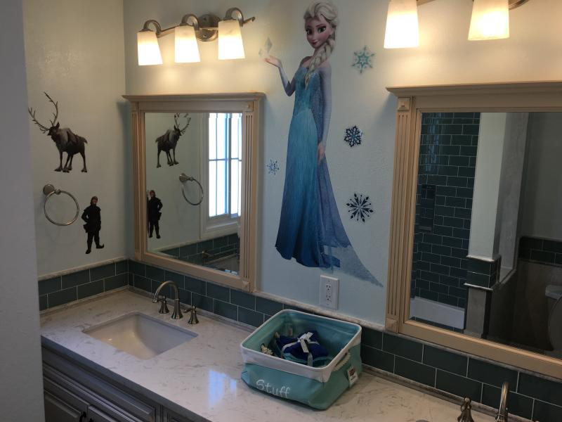 Boys and girls bathroom - Gorgeous Home!!!  Only  2 nights remain in Oct - Anaheim - rentals