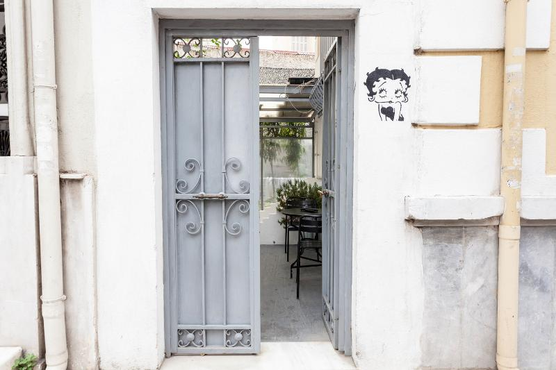 Entrance - The Betty Boop Suite @ Alice Inn Athens - Athens - rentals