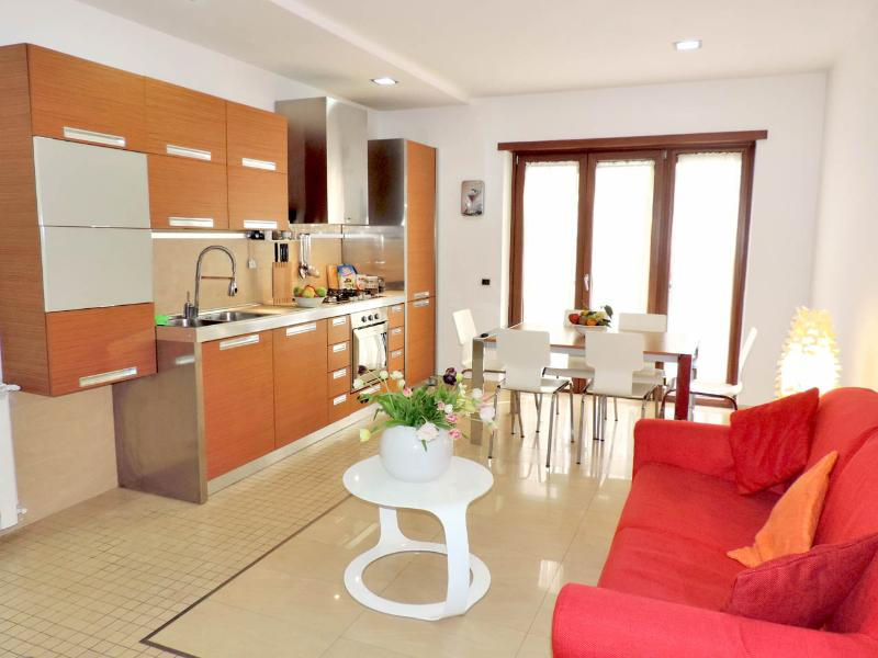 Lovely and modern 2br/2ba Apartment in Sorrento - Image 1 - Sorrento - rentals