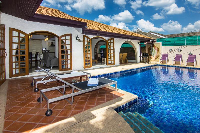 Grand condo Lotus pool villa - Image 1 - Pattaya - rentals