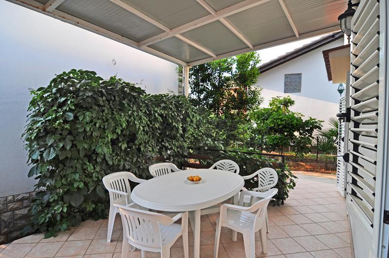 A1(6+1): garden terrace - 00618SUKO  A1(6+1) - Sukosan - Sukosan - rentals