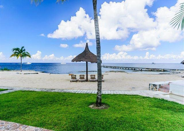 Directly on the BEACH!!! - Beachfront Villa Magnificent Views, Pool, Fast Internet, Dive Boat Pickup - Cozumel - rentals