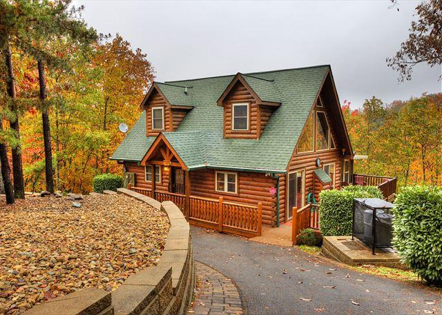 parking - Spacious Mountainside Lodge That Everyone Will Love! - Sevierville - rentals