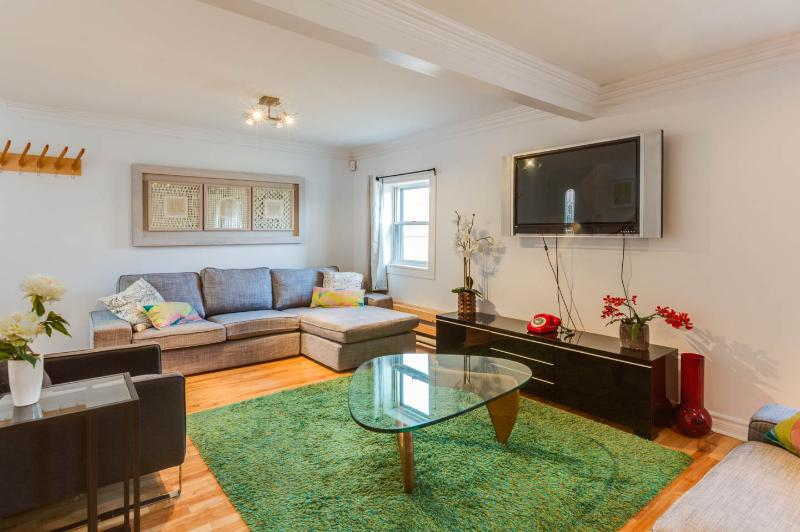 AMAZING LOCATION: St-Denis street ! Max 13 guests! - Image 1 - Montreal - rentals