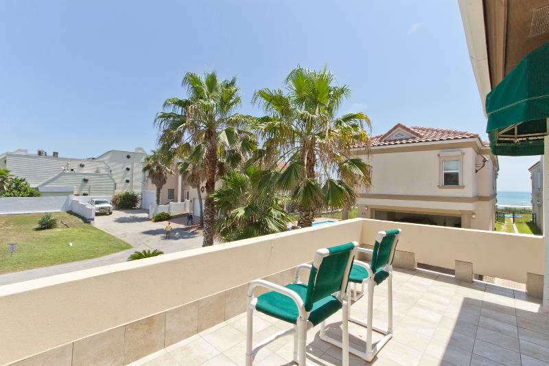 North facing balcony with plenty of sun - 107 Villa Doce - South Padre Island - rentals