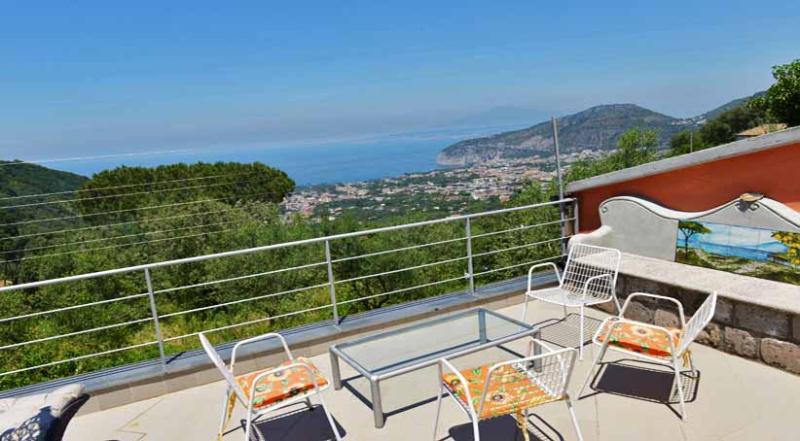 01 Villa sui Colli upstairs terrace - VILLA SUI COLLI - Colli di Fontanella - Sorrento - Sorrento - rentals