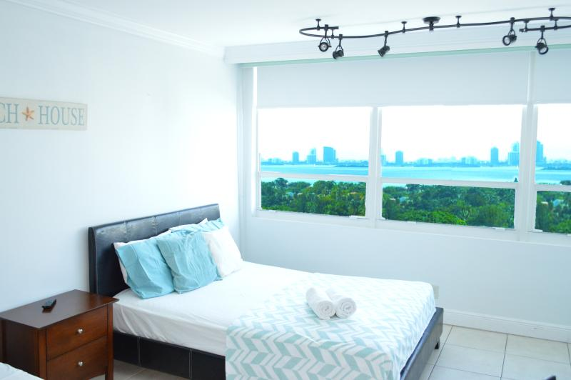 $70 ocean Bay view in MIA Beach (12) - Image 1 - Miami Beach - rentals