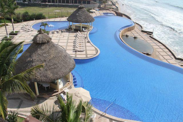 Spectacular pool and ocean views. - Gavias Grand Luxury Living - Mazatlan - rentals