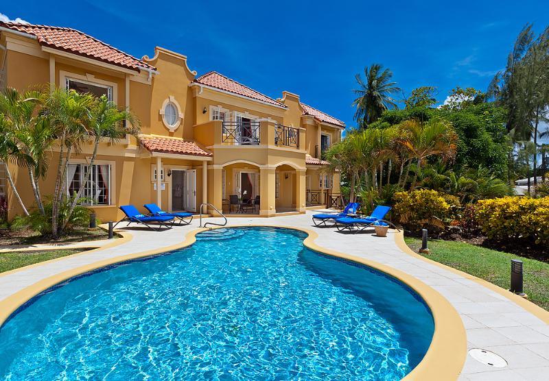 Sundown villa with pool - Grand 4bdrm Mullins Beach villa, pool-gazebo-staff - Mullins - rentals