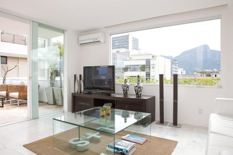 LUXURY 4-BDR PENTH. IPANEMA Y11-001 - Image 1 - Rio de Janeiro - rentals