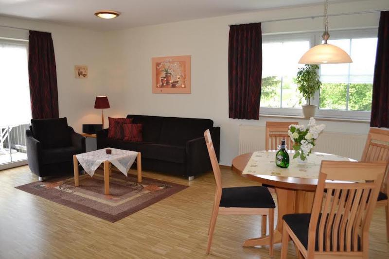 LLAG Luxury Vacation Apartment in Bad Windsheim - 538 sqft, modern, comfortable (# 503) #503 - LLAG Luxury Vacation Apartment in Bad Windsheim - 538 sqft, modern, comfortable (# 503) - Bad Windsheim - rentals
